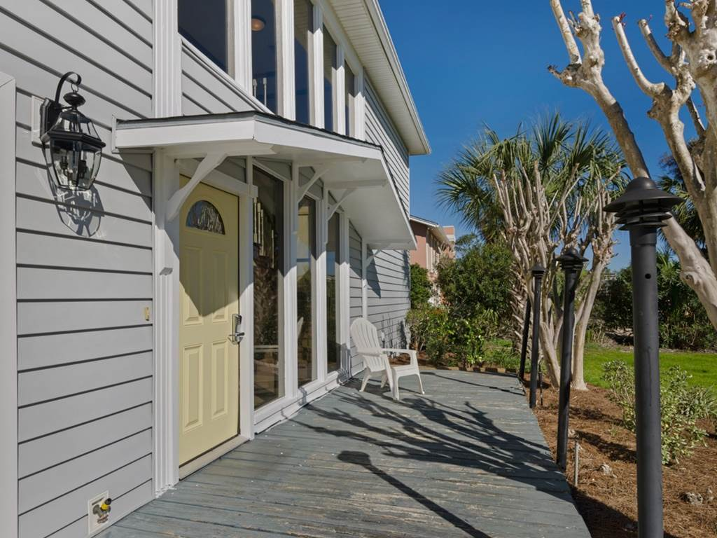 Holiday House House/Cottage rental in Destin Beach House Rentals in Destin Florida - #2