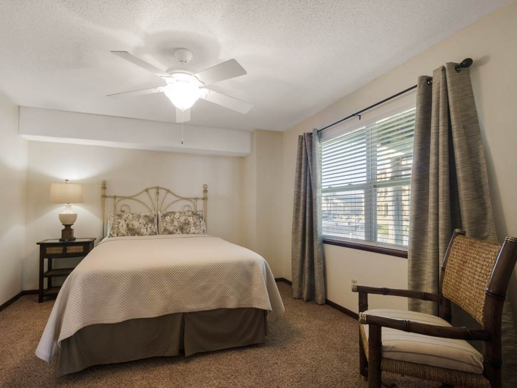 Holiday House House/Cottage rental in Destin Beach House Rentals in Destin Florida - #24