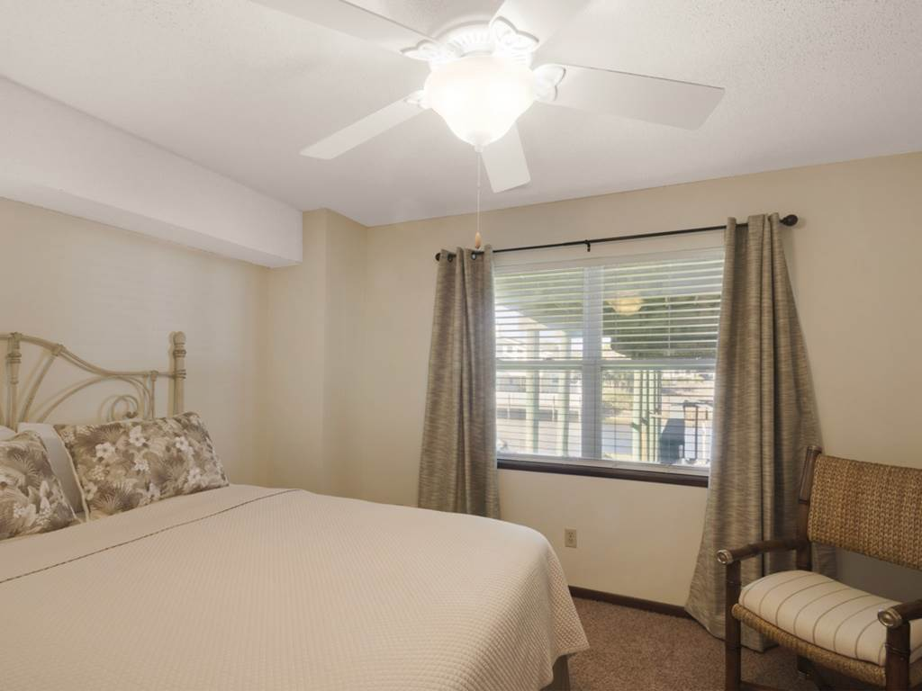 Holiday House House/Cottage rental in Destin Beach House Rentals in Destin Florida - #25