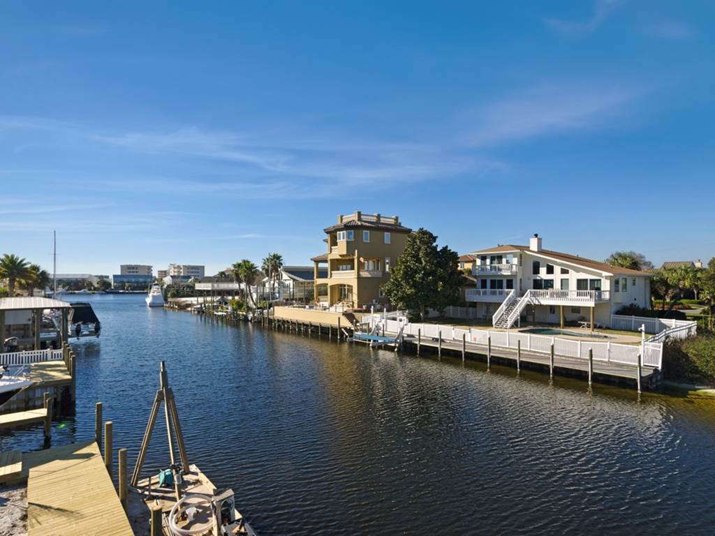Holiday House House/Cottage rental in Destin Beach House Rentals in Destin Florida - #37