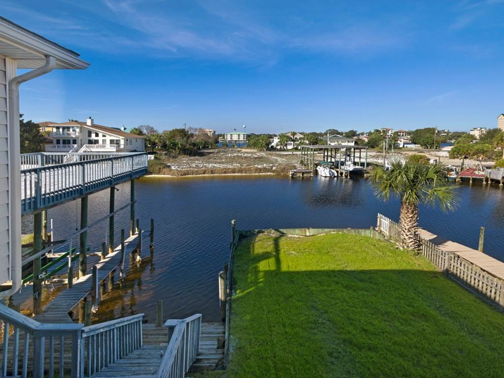 Holiday House House/Cottage rental in Destin Beach House Rentals in Destin Florida - #40