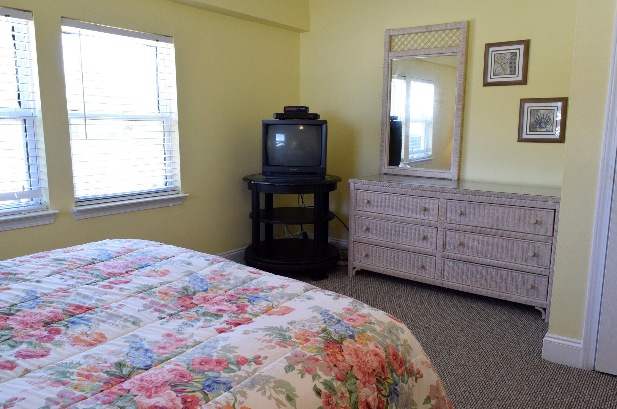 Maldonado 303 House/Cottage rental in Pensacola Beach House Rentals in Pensacola Beach Florida - #13