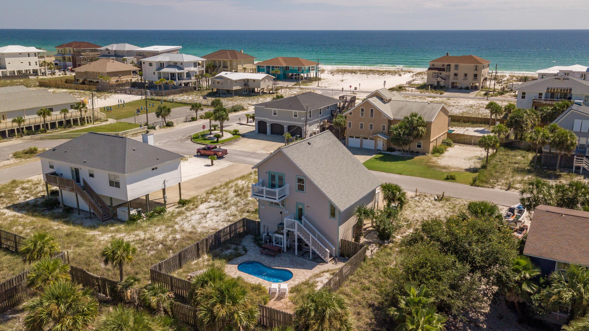 Maldonado 813 - The Coral Cottage House/Cottage rental in Pensacola Beach House Rentals in Pensacola Beach Florida - #1