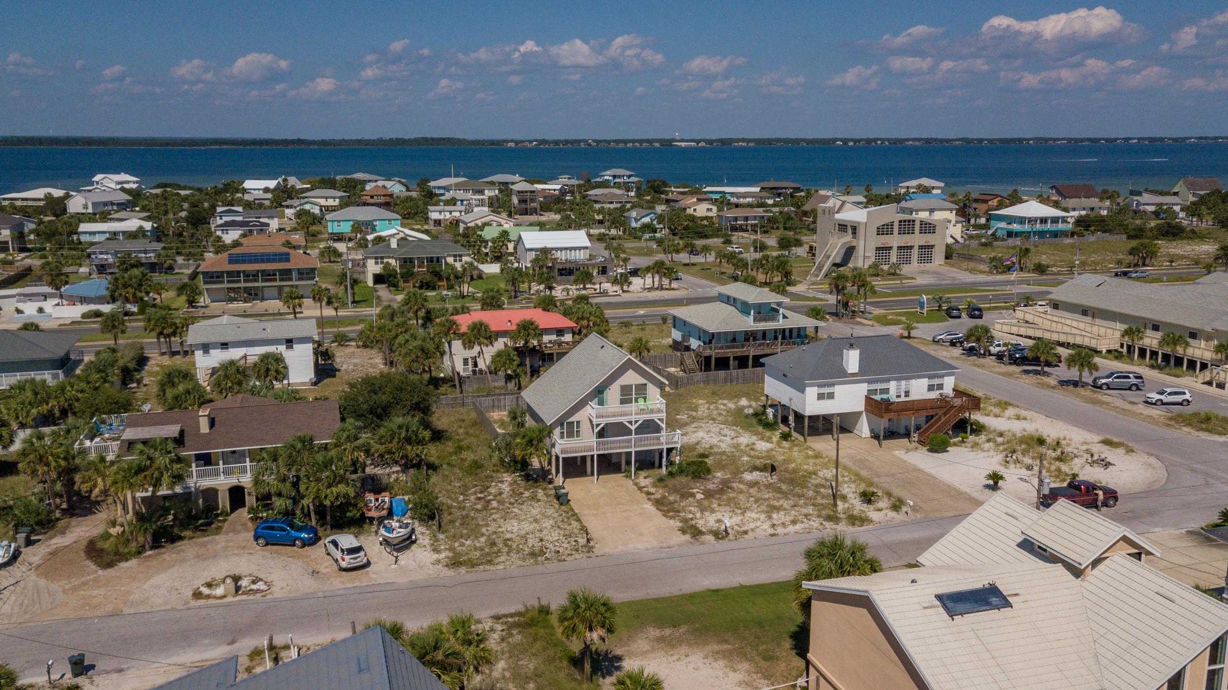 Maldonado 813 - The Coral Cottage House/Cottage rental in Pensacola Beach House Rentals in Pensacola Beach Florida - #5