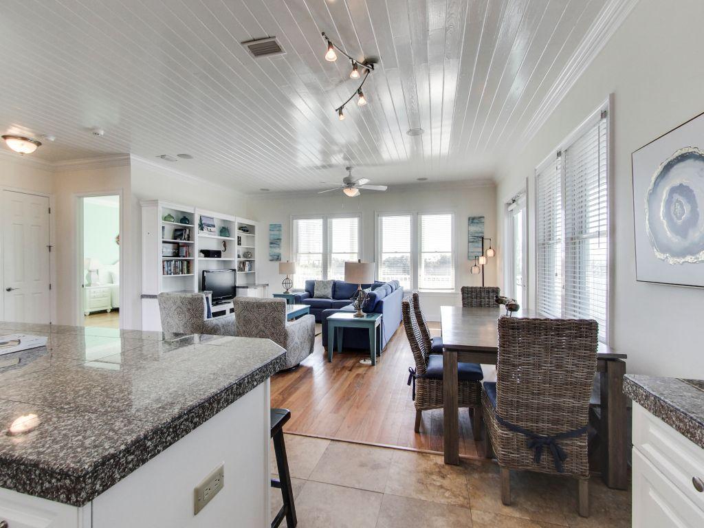 Surfer Dog House/Cottage rental in Panama City Beach House Rentals in Panama City Beach Florida - #9