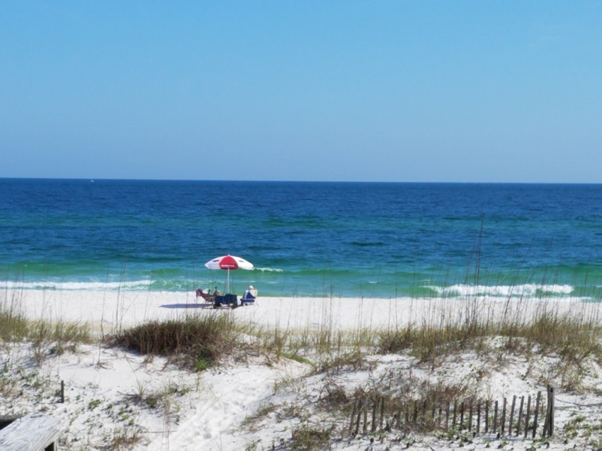 THE HIDEAWAY House/Cottage rental in Gulf Shores House Rentals in Gulf Shores Alabama - #1