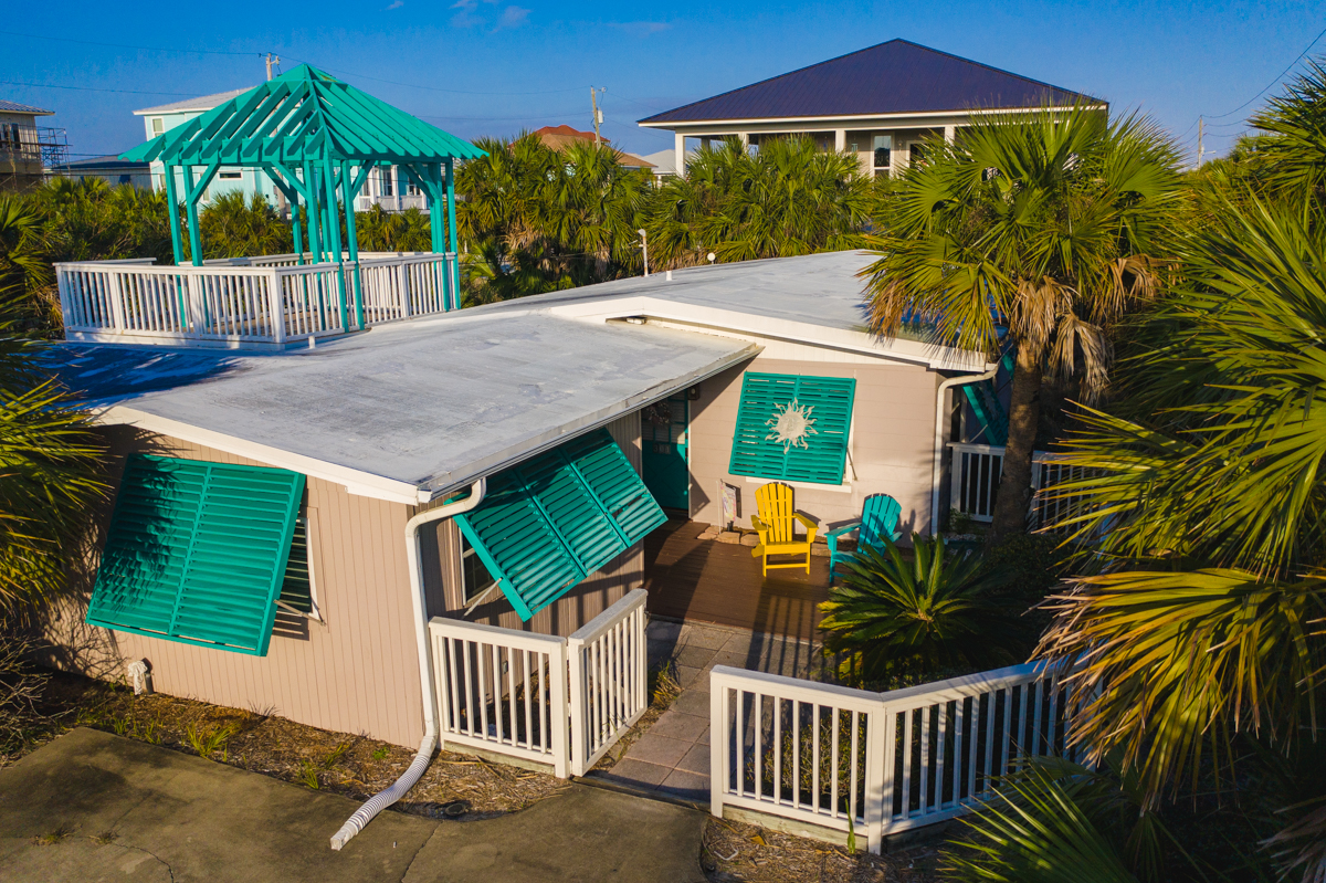 Via De Luna 301 House / Cottage rental in Pensacola Beach House Rentals in Pensacola Beach Florida - #1