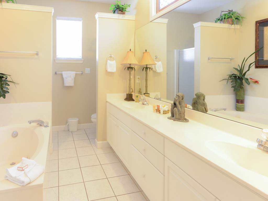 Villa Del Mare House/Cottage rental in Destin Beach House Rentals in Destin Florida - #9