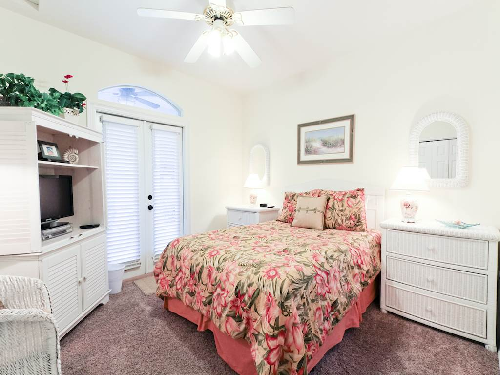 Young Cottage House/Cottage rental in Destin Beach House Rentals in Destin Florida - #12