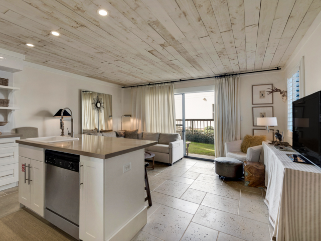 Sea - Lodge (Beachside Condo 16)