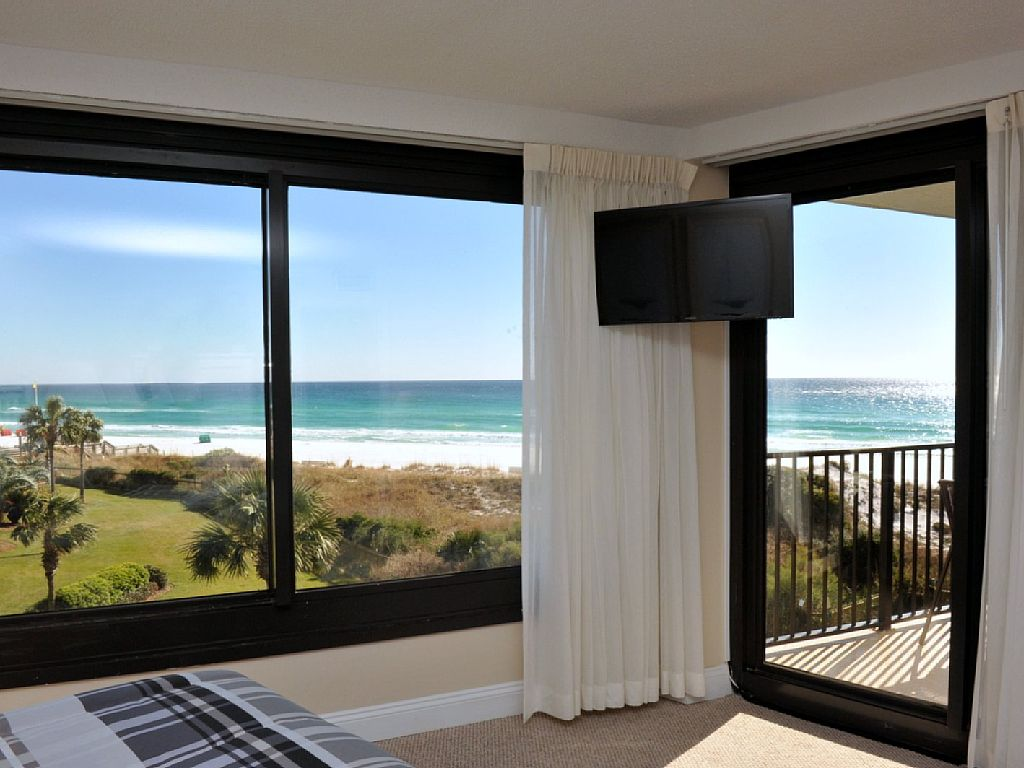4048 Beachside One