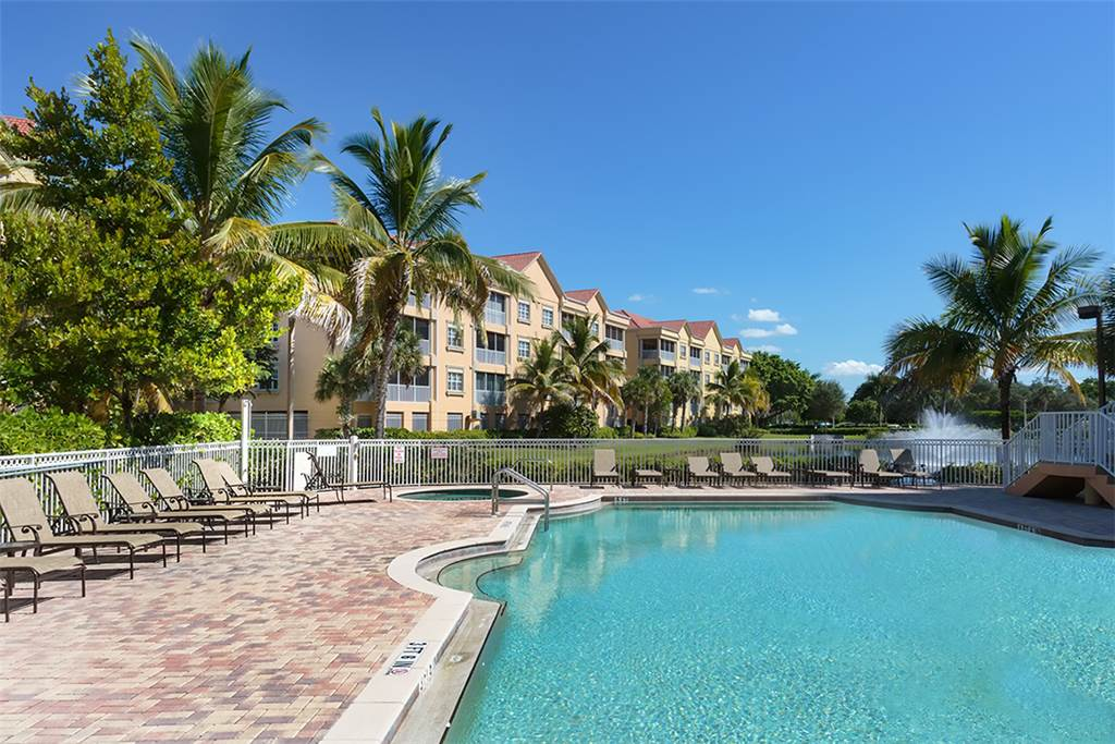 Bella Lago 241 3 Bedrooms Elevator Heated Pool Tennis Gym Sleeps 6 Condo rental in Bella Lago Fort Myers Beach in Fort Myers Beach Florida - #2