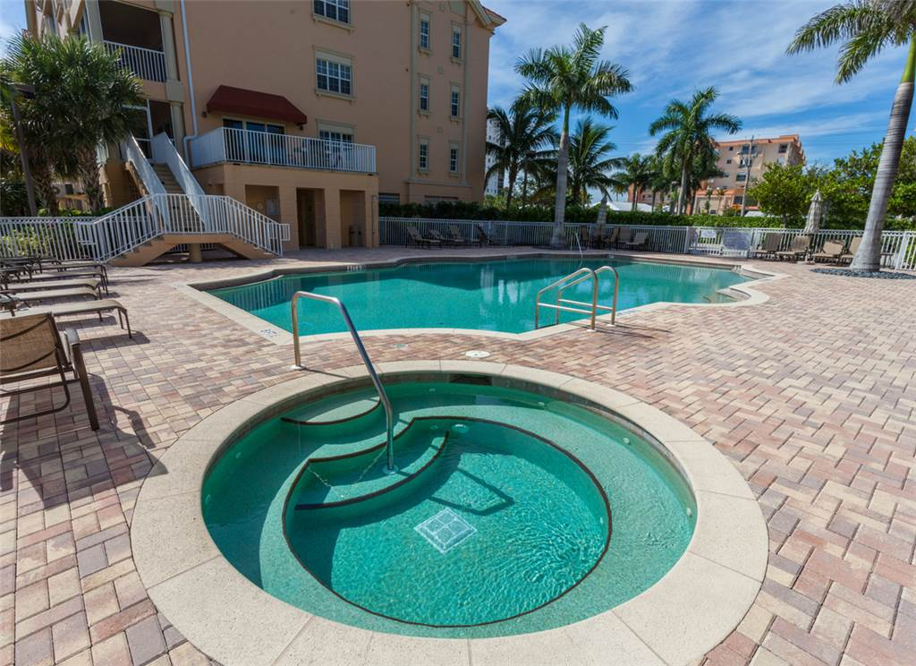 Bella Lago 241 3 Bedrooms Elevator Heated Pool Tennis Gym Sleeps 6 Condo rental in Bella Lago Fort Myers Beach in Fort Myers Beach Florida - #4
