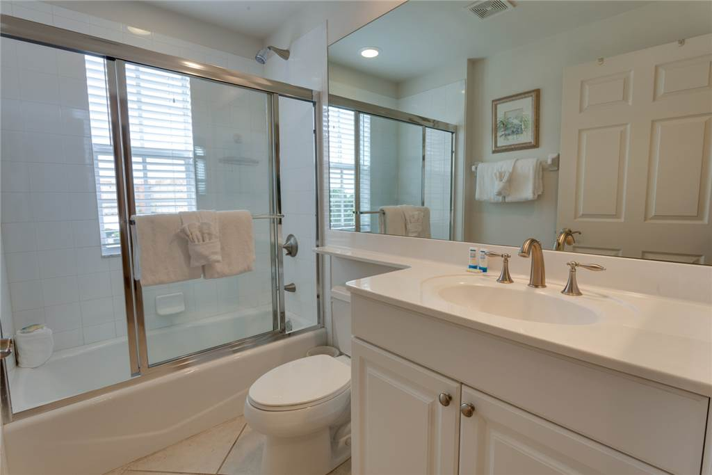 Bella Lago 241 3 Bedrooms Elevator Heated Pool Tennis Gym Sleeps 6 Condo rental in Bella Lago Fort Myers Beach in Fort Myers Beach Florida - #17