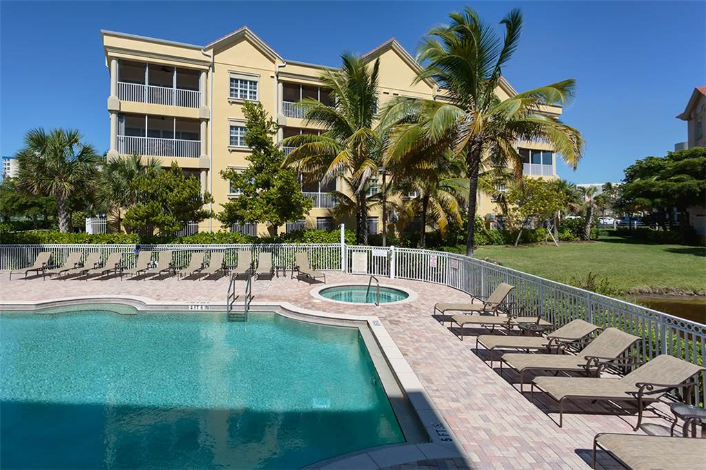 Bella Lago 241 3 Bedrooms Elevator Heated Pool Tennis Gym Sleeps 6 Condo rental in Bella Lago Fort Myers Beach in Fort Myers Beach Florida - #24