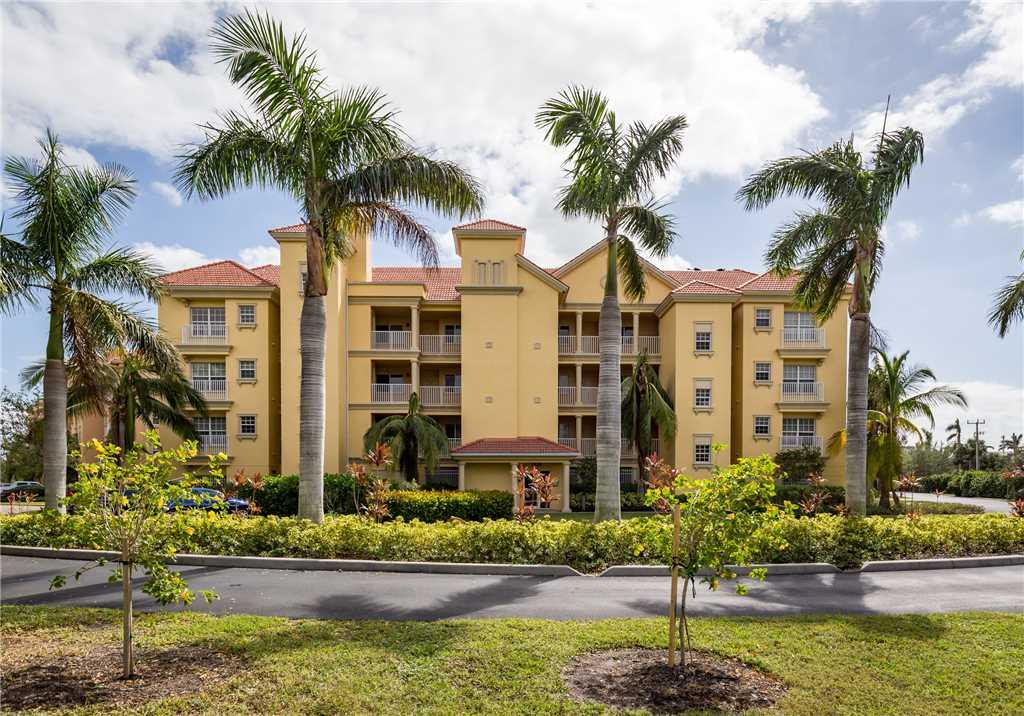 Bella Lago 324 3 Bedrooms Elevator Heated Pool Tennis Gym Sleeps 6 Condo rental in Bella Lago Fort Myers Beach in Fort Myers Beach Florida - #4