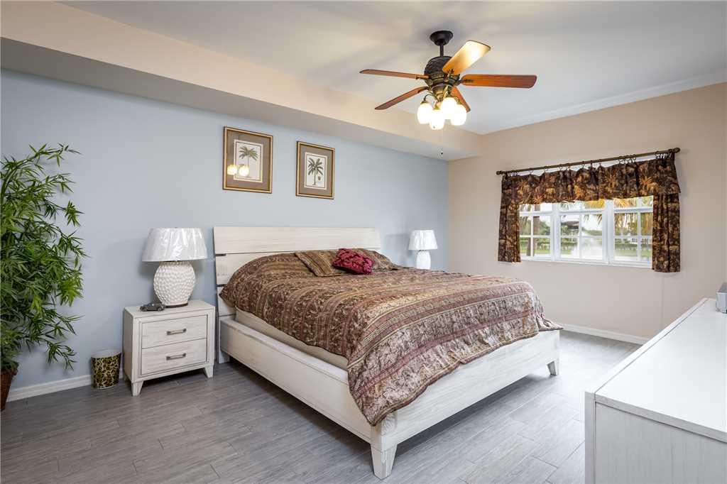 Bella Lago 324 3 Bedrooms Elevator Heated Pool Tennis Gym Sleeps 6 Condo rental in Bella Lago Fort Myers Beach in Fort Myers Beach Florida - #13