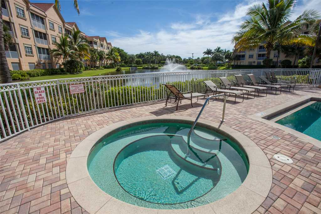 Bella Lago 324 3 Bedrooms Elevator Heated Pool Tennis Gym Sleeps 6 Condo rental in Bella Lago Fort Myers Beach in Fort Myers Beach Florida - #24