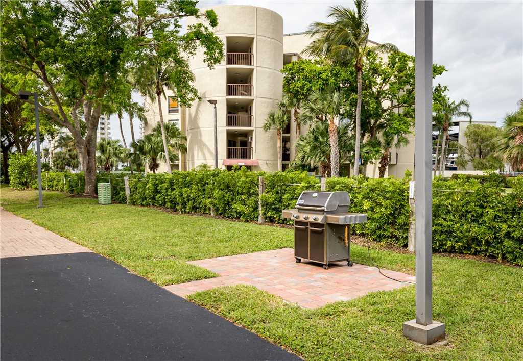 Bella Lago 324 3 Bedrooms Elevator Heated Pool Tennis Gym Sleeps 6 Condo rental in Bella Lago Fort Myers Beach in Fort Myers Beach Florida - #27
