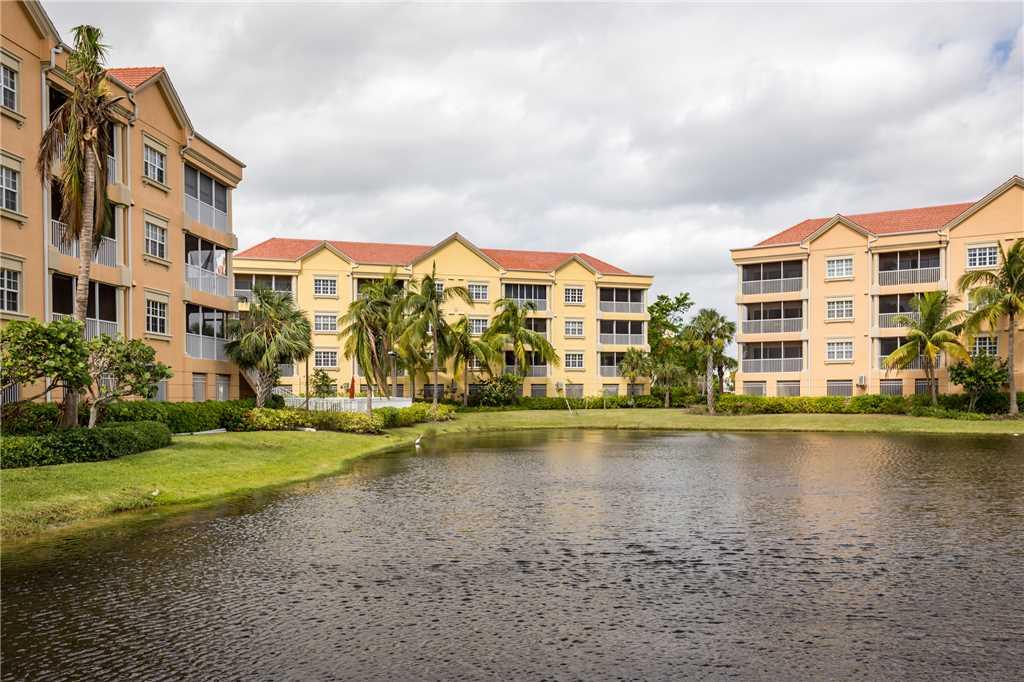 Bella Lago 324 3 Bedrooms Elevator Heated Pool Tennis Gym Sleeps 6 Condo rental in Bella Lago Fort Myers Beach in Fort Myers Beach Florida - #29