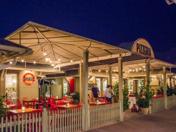 Bud and Alley's Pizza Bar & Trattoria in Highway 30-A Florida