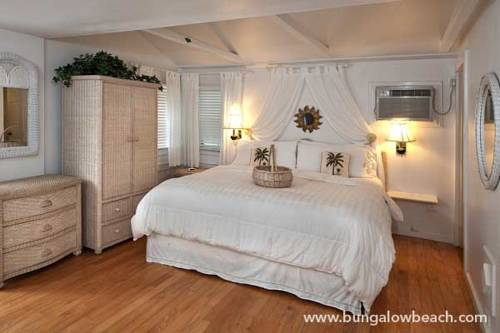 Bungalow Beach Resort in Bradenton Beach FL 01