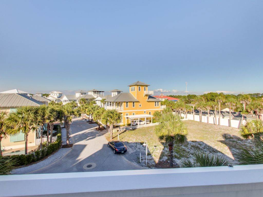 LottyDa House/Cottage rental in Carillon Beach House Rentals in Panama City Beach Florida - #32