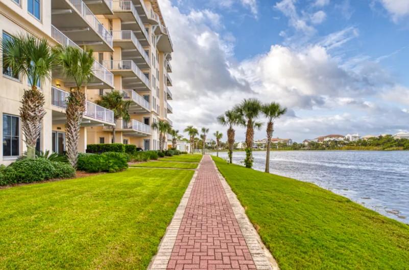 Waterfront Walkway Carillon Inn and Beach Resort