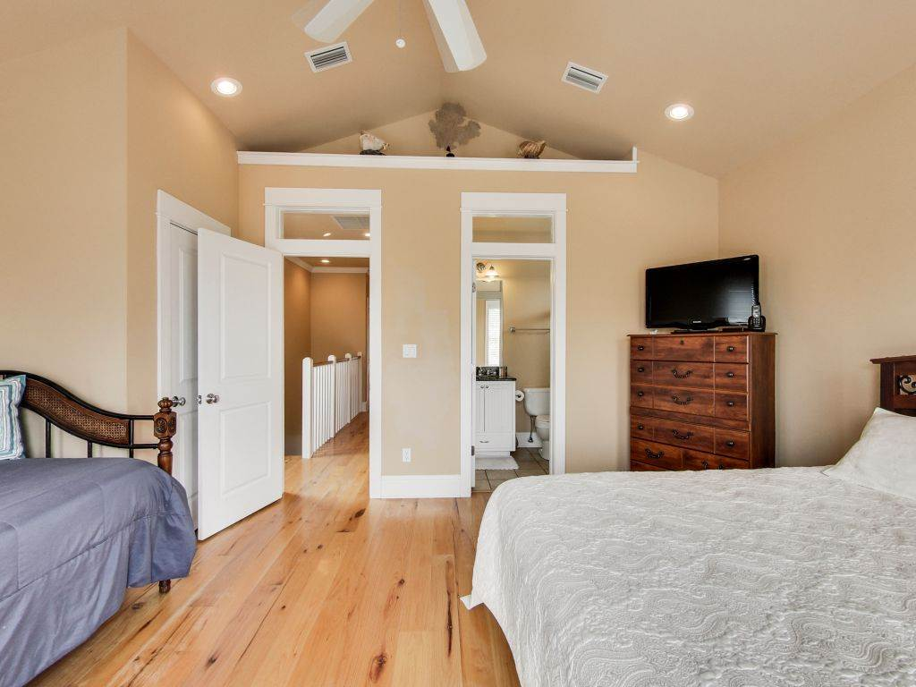 Sweet Retreat House/Cottage rental in Carillon Beach House Rentals in Panama City Beach Florida - #24