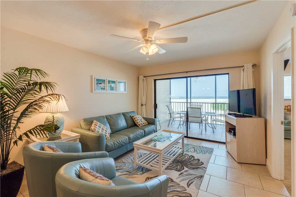 Carlos Pointe 113 2 Bedrooms Gulf Front Elevator Heated Pool Sleeps 6 Condo rental in Carlos Pointe in Fort Myers Beach Florida - #3
