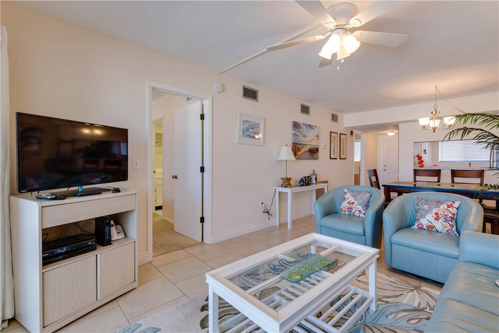 Carlos Pointe 113 2 Bedrooms Gulf Front Elevator Heated Pool Sleeps 6 Condo rental in Carlos Pointe in Fort Myers Beach Florida - #6