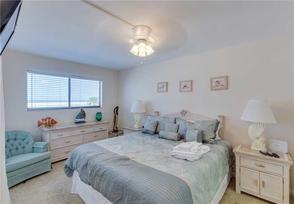 Carlos Pointe 113 2 Bedrooms Gulf Front Elevator Heated Pool Sleeps 6 Condo rental in Carlos Pointe in Fort Myers Beach Florida - #12