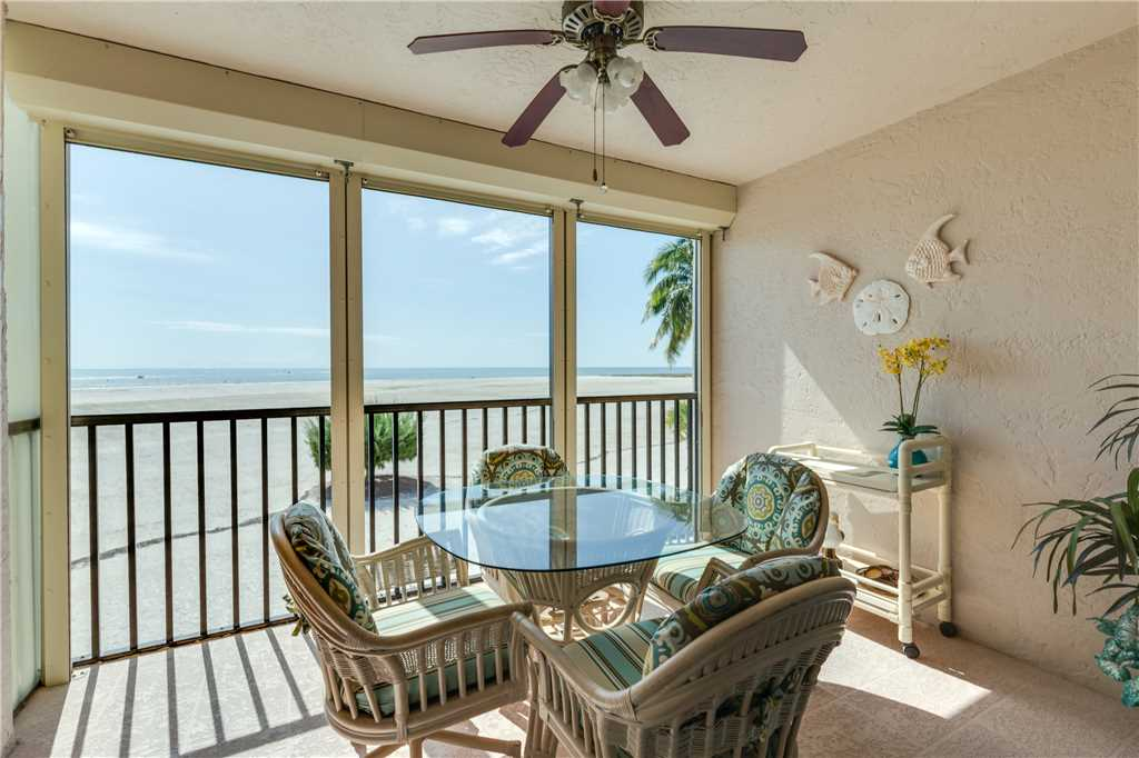 Carlos Pointe 212 2 Bedrooms Heated Pool Gulf Front Elevator Sleeps 4