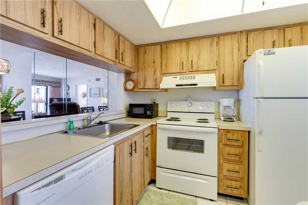 Carlos Pointe 212 2 Bedrooms Heated Pool Gulf Front Elevator Sleeps 4 Condo rental in Carlos Pointe in Fort Myers Beach Florida - #11