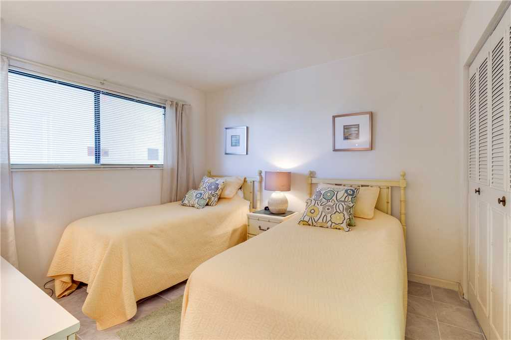 Carlos Pointe 212 2 Bedrooms Heated Pool Gulf Front Elevator Sleeps 4 Condo rental in Carlos Pointe in Fort Myers Beach Florida - #18