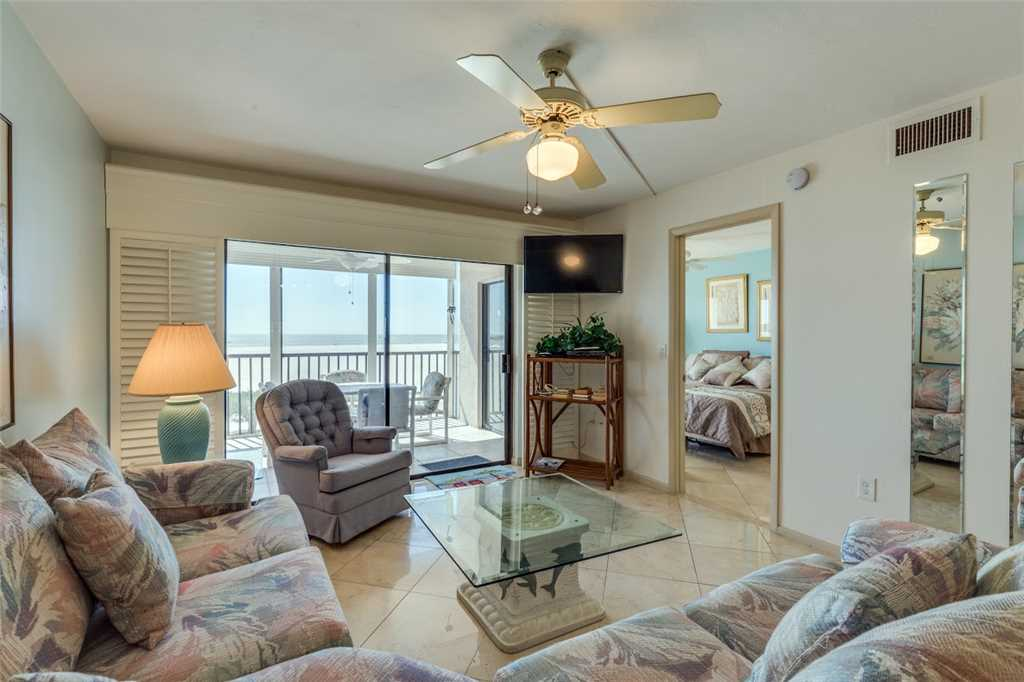 Carlos Pointe 213 2 Bedrooms Gulf Front Elevator Heated Pool Sleeps 4 Condo rental in Carlos Pointe in Fort Myers Beach Florida - #4