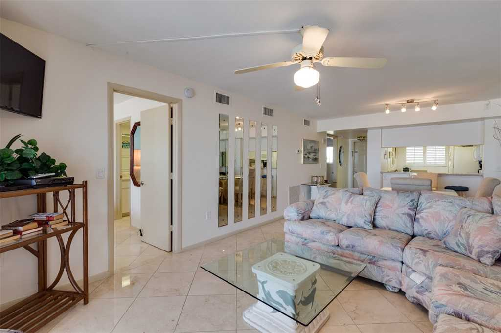 Carlos Pointe 213 2 Bedrooms Gulf Front Elevator Heated Pool Sleeps 4 Condo rental in Carlos Pointe in Fort Myers Beach Florida - #5