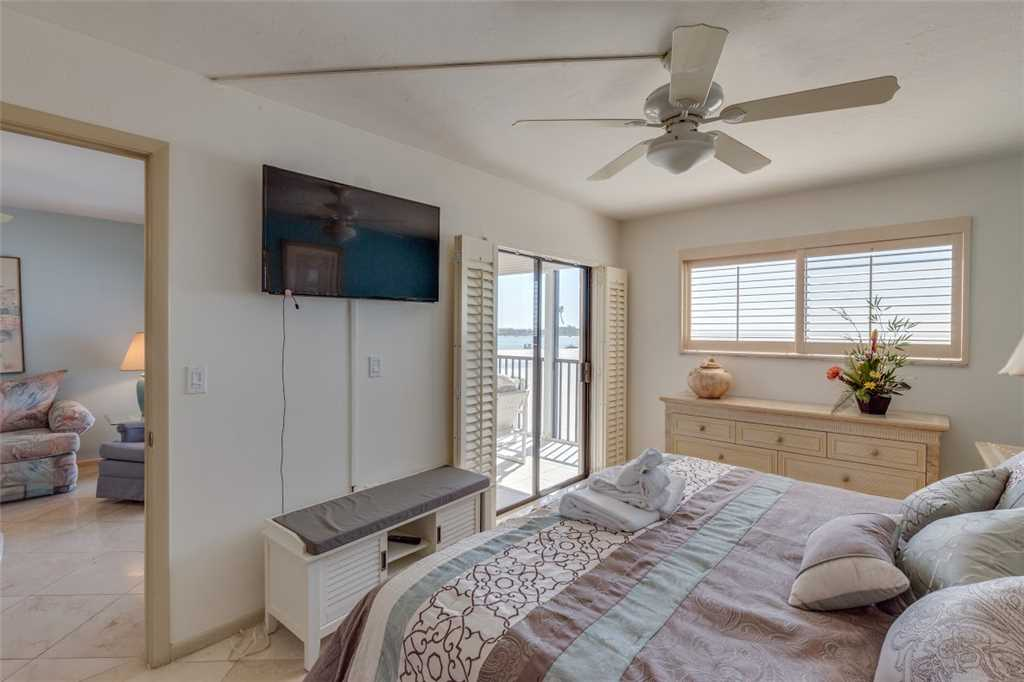 Carlos Pointe 213 2 Bedrooms Gulf Front Elevator Heated Pool Sleeps 4 Condo rental in Carlos Pointe in Fort Myers Beach Florida - #12