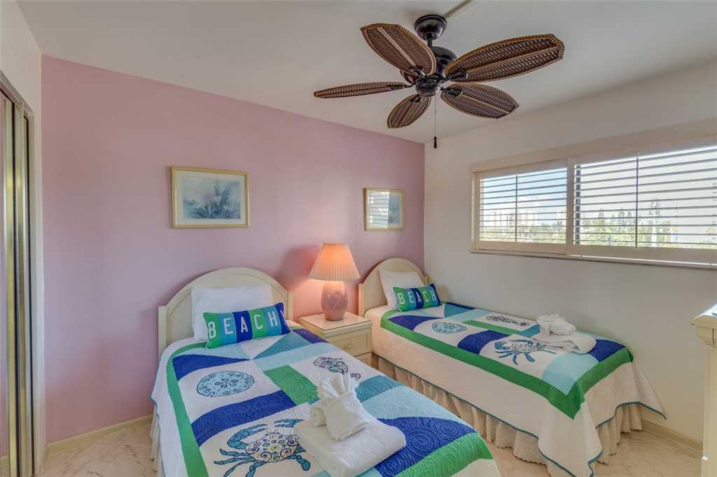 Carlos Pointe 213 2 Bedrooms Gulf Front Elevator Heated Pool Sleeps 4 Condo rental in Carlos Pointe in Fort Myers Beach Florida - #16