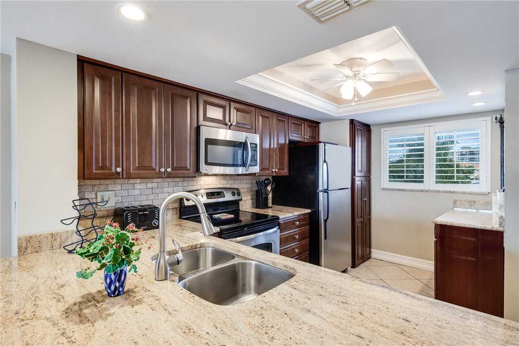 Carlos Pointe 236 2 Bedrooms Gulf Front Elevator Heated Pool Sleeps 6 Condo rental in Carlos Pointe in Fort Myers Beach Florida - #12