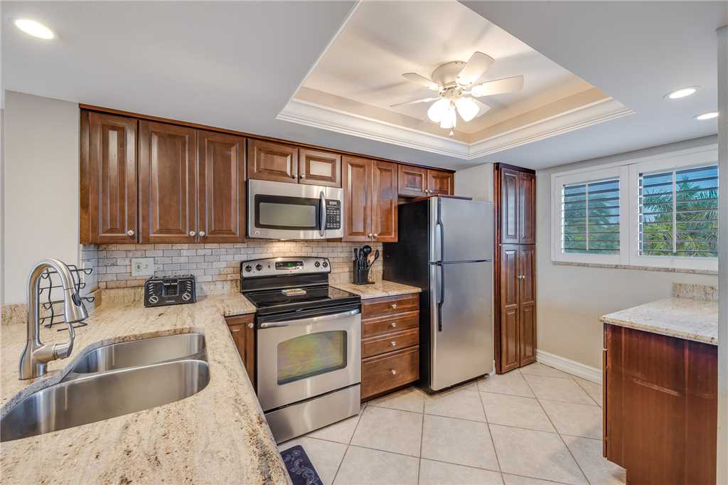 Carlos Pointe 236 2 Bedrooms Gulf Front Elevator Heated Pool Sleeps 6 Condo rental in Carlos Pointe in Fort Myers Beach Florida - #13