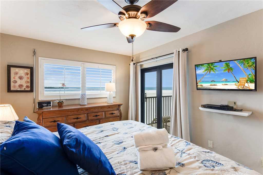 Carlos Pointe 236 2 Bedrooms Gulf Front Elevator Heated Pool Sleeps 6 Condo rental in Carlos Pointe in Fort Myers Beach Florida - #15