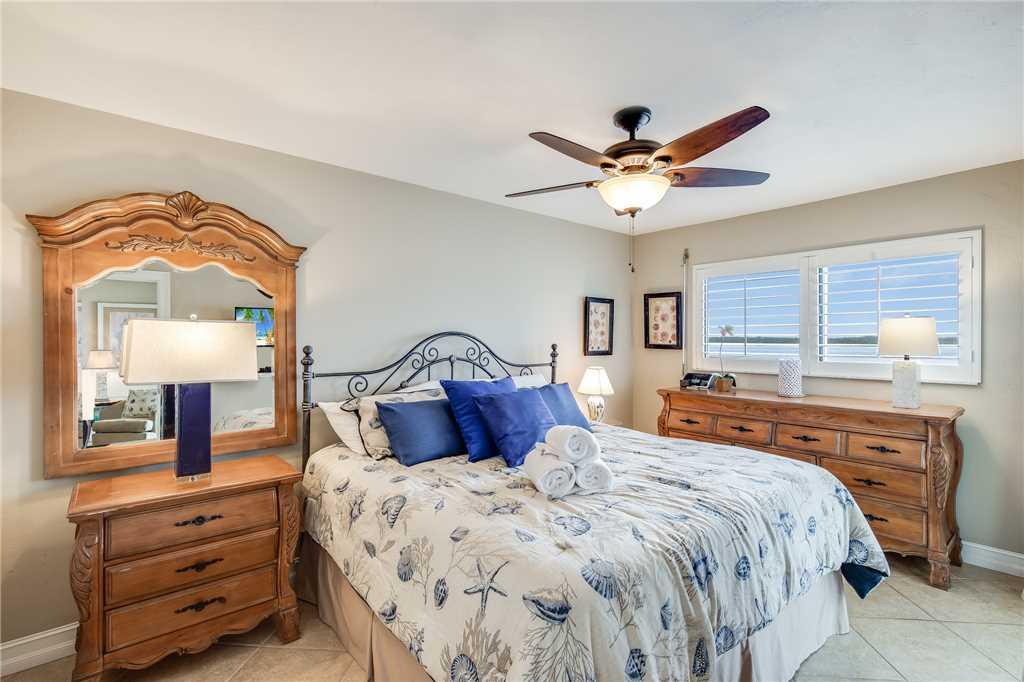 Carlos Pointe 236 2 Bedrooms Gulf Front Elevator Heated Pool Sleeps 6 Condo rental in Carlos Pointe in Fort Myers Beach Florida - #16