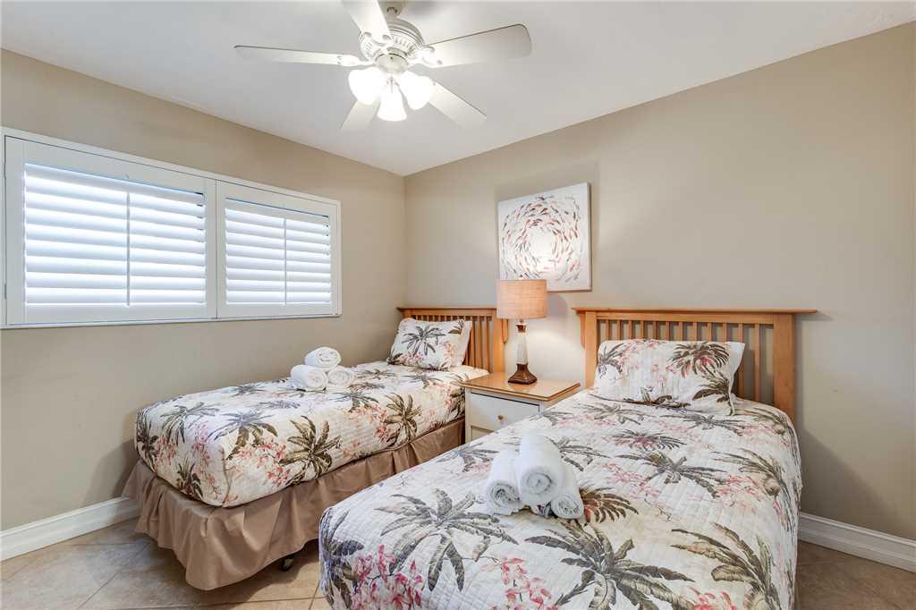 Carlos Pointe 236 2 Bedrooms Gulf Front Elevator Heated Pool Sleeps 6 Condo rental in Carlos Pointe in Fort Myers Beach Florida - #20