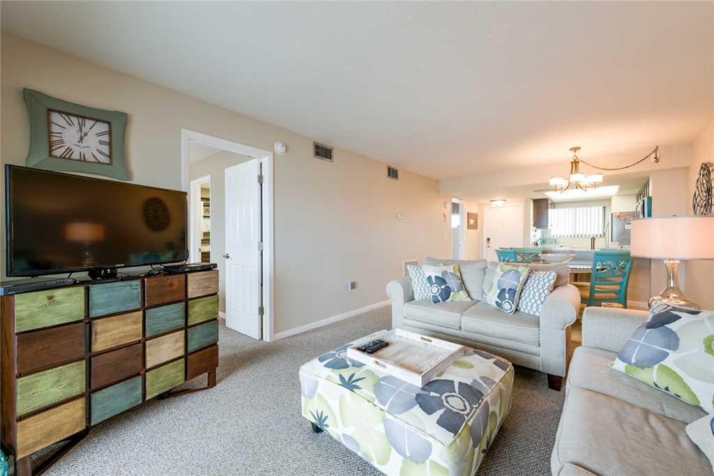 Carlos Pointe 333 2 Bedrooms Gulf Front Elevator Heated Pool Sleeps 6 Condo rental in Carlos Pointe in Fort Myers Beach Florida - #6