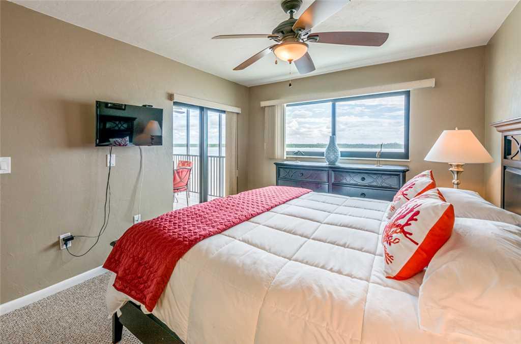 Carlos Pointe 333 2 Bedrooms Gulf Front Elevator Heated Pool Sleeps 6 Condo rental in Carlos Pointe in Fort Myers Beach Florida - #14