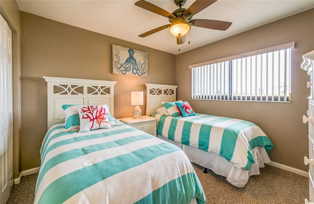 Carlos Pointe 333 2 Bedrooms Gulf Front Elevator Heated Pool Sleeps 6 Condo rental in Carlos Pointe in Fort Myers Beach Florida - #17