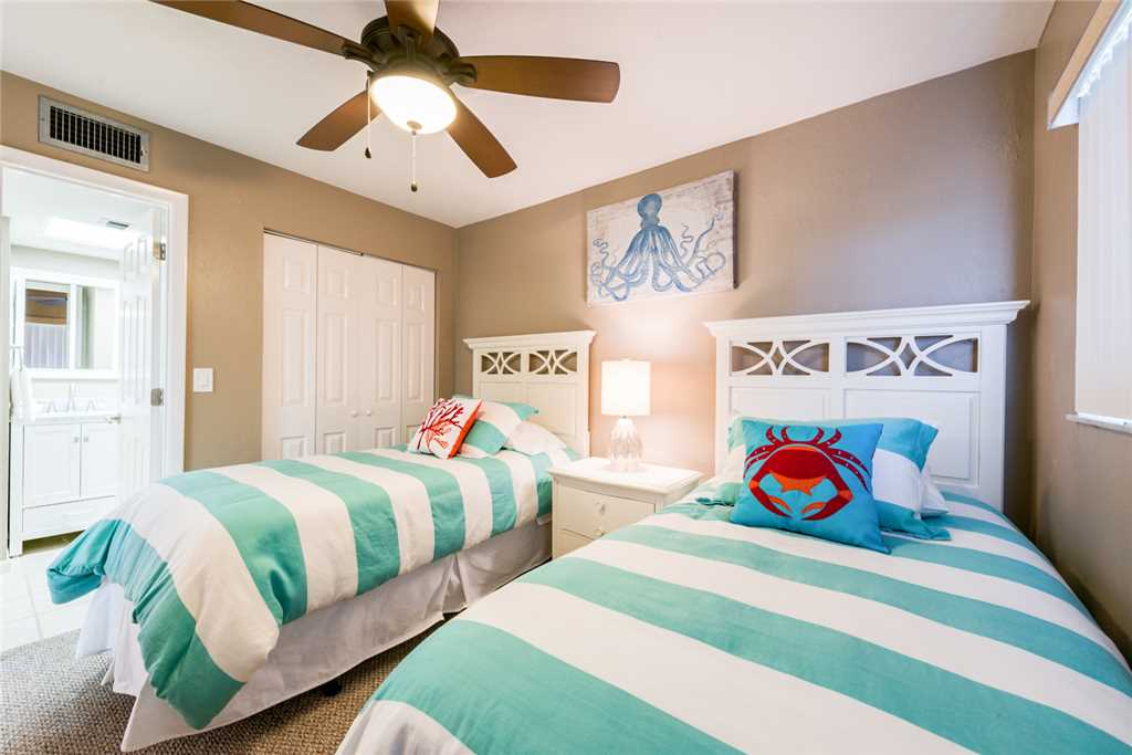 Carlos Pointe 333 2 Bedrooms Gulf Front Elevator Heated Pool Sleeps 6 Condo rental in Carlos Pointe in Fort Myers Beach Florida - #18