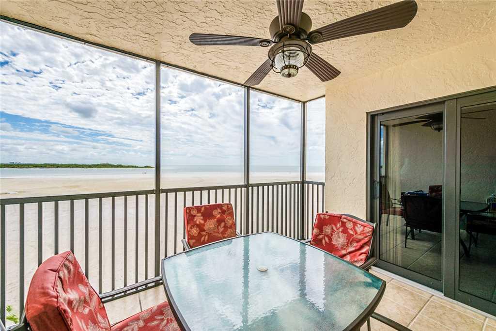 Carlos Pointe 333 2 Bedrooms Gulf Front Elevator Heated Pool Sleeps 6 Condo rental in Carlos Pointe in Fort Myers Beach Florida - #20