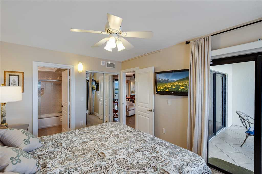Carlos Pointe 413 2 Bedrooms Gulf Front Elevator Heated Pool Sleeps 6 Condo rental in Carlos Pointe in Fort Myers Beach Florida - #20
